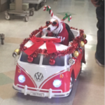 Therapy Dog Visits Sick Patients in Hospital to Spread Christmas Cheer