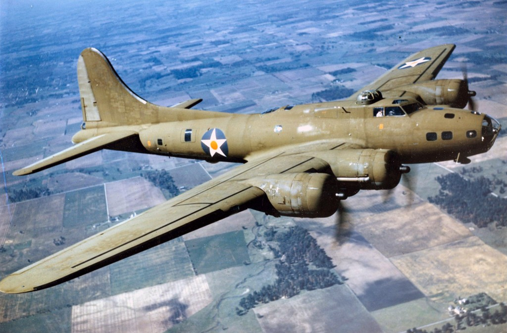 Color_Photographed_B-17E_in_Flight