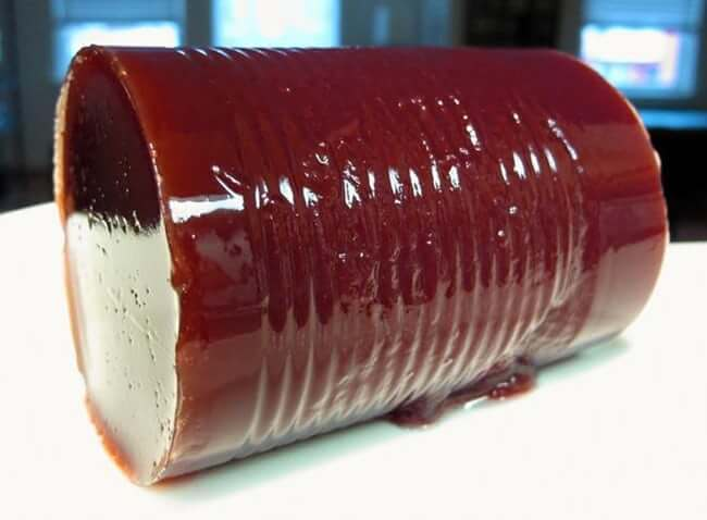 the-shinier-the-cranberry-sauce-the-more-delicious-it-is-photo-u1