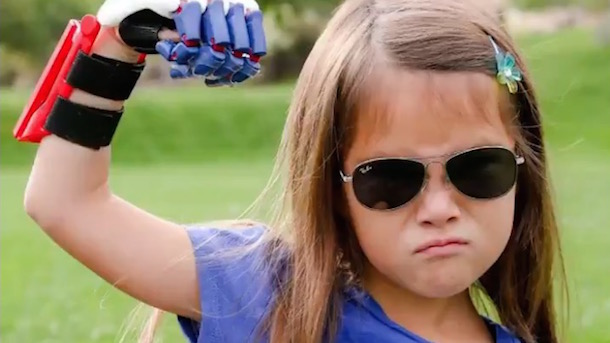 hailey-dawson-7-year-old-with-3D-printed-artificial-hand-wants-to-throw-out-first-pitch-in-every-ballpark-in-MLB