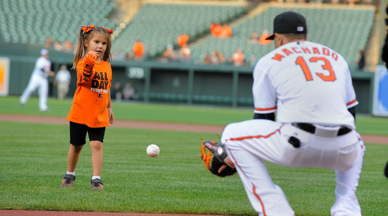 hailey-dawson-first-pitch-mlb-game